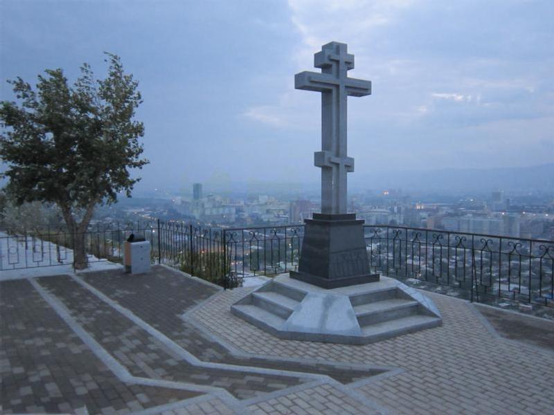 Поклонный крест на часовне Параскевы Пятницы